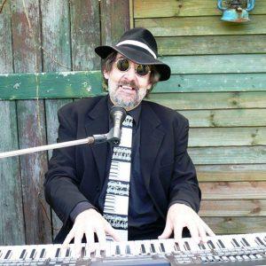soloist Steve Richards